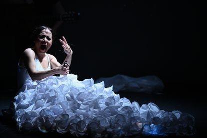 Olga Pericet, en un momento de 'Un cuerpo infinito', espectáculo inspirado en Carmen Amaya.