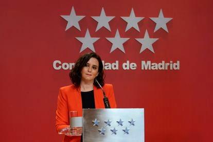 Isabel Díaz Ayuso, durante una rueda de prensa este lunes.