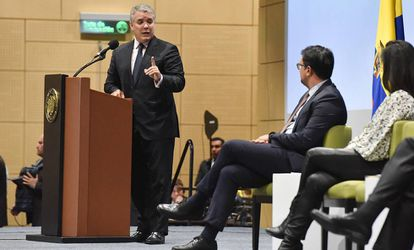 El presidente de Colombia, Iván Duque, en el  MIT Global Startup Workshop. A su izquierda, Juan David Castaño, vicepresidente de la Cámara de Comercio de Bogotá.