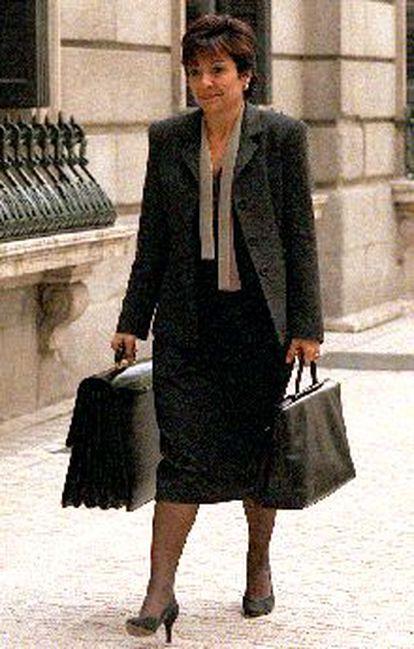 La ministra Anna Birulés, ayer, a su llegada al Congreso.