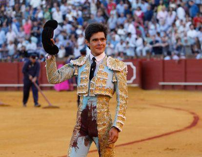 Juanito dio la vuelta al ruedo a la muerte del quinto novillo.