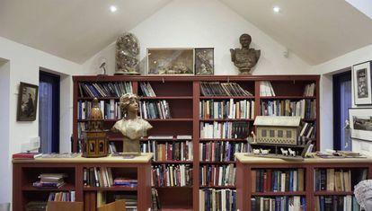 Estudio de trabajo de Mary Beard, con un busto de Safo.
