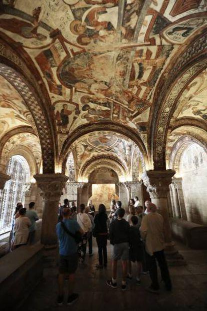Visita al Panteón de los Reyes, en la Real Colegiata de San Isidoro (León).