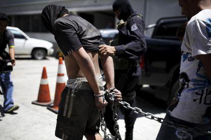 Supuestos miembros detenidos de la banda M18