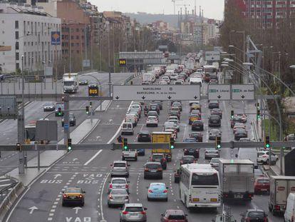 La Avenida Meridiana desde el puente de Sarajevo.