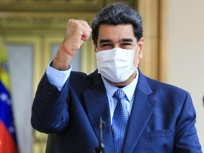 El presidente venezolano, Nicolás Maduro, durante una comparecencia. En el recuadro, el empresario Alex Saab.