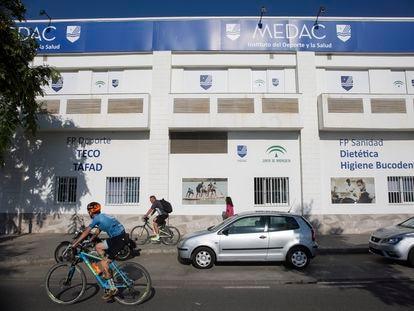 Fachada de uno de los centros de FP de Medac, en Málaga.