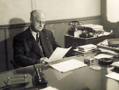Nicolau Primitiu al seu despatx.