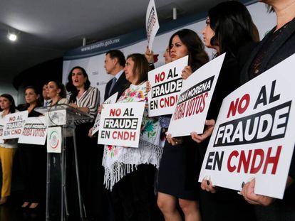 Legisladores del PAN exigen reponer la elección de presidente de la CNDH.