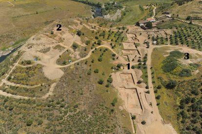 Vista aérea del poblado de Crestelos (Portugal).