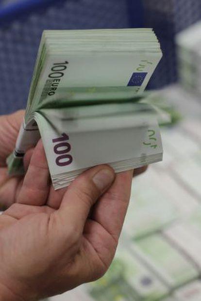 Un mazo de billetes de 100 euros.