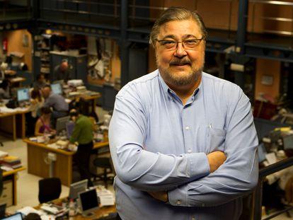 Antonio Franco, en la redacción de Barcelona de 'El Periódico', en 2011.