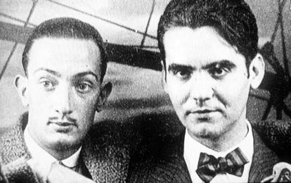 El poeta Federico García Lorca (derecha) junto a Salvador Dalí, en una imagen sin fechar.