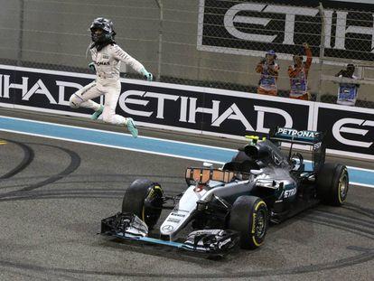 Rosberg celebra la consecución del Mundial