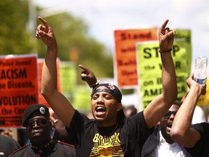 Marcha en Baltimore tras la imputación de seis agentes por el caso Gray
