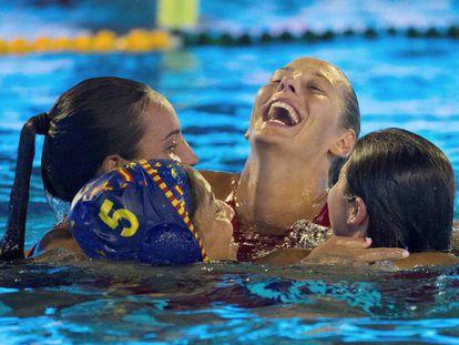 Las jugadoras españolas celebran la medalla de bronce.