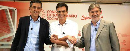 De izquierda a derecha, Eduardo Madina, Pedro Sanchez y Jose Antonio Perez Tapias.