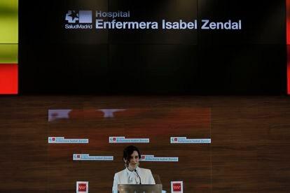 Isabel Díaz Ayuso ofrece declaraciones a los medios de comunicación durante la Inauguración del Hospital Enfermera Isabel Zendal.