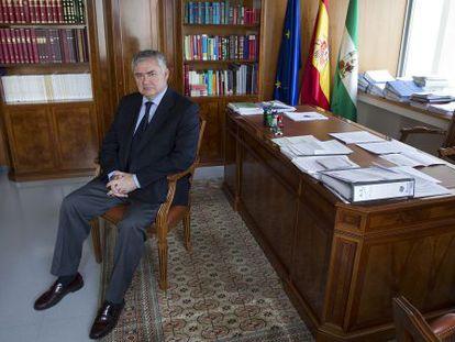 El fiscal jefe de Málaga, Juan Carlos López Caballero, en su despacho.