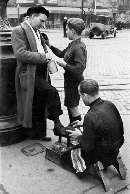 Barcelona, 1945: postulación del Frente de Juventudes.