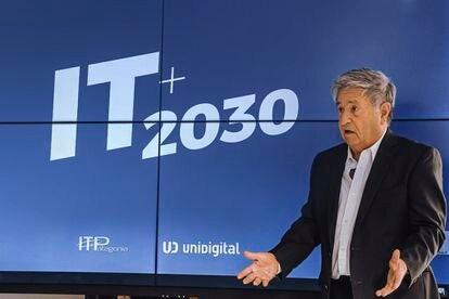 El expresidente Eduardo Duhalde participa de un evento empresarial el 22 de julio de 2020.