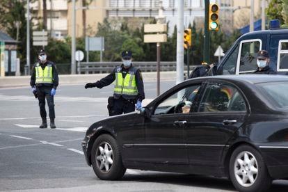 Un control de la Policía Nacional en Málaga.