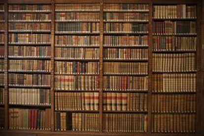 Colección de libros antiguos en una de las bibliotecas.