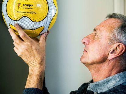 Johan Cruyff, fotografiado en la fundación que lleva su nombre en Barcelona.