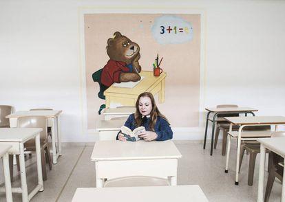 María Teresa Pons, en el aula del módulo 13 de la prisión de Soto del Real, donde cumplió condena hasta enero, cuando salió en tercer grado.