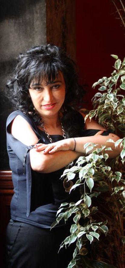 La escritora Eugenia Rico presenta en Valencia 'El fin de la raza blanca'.