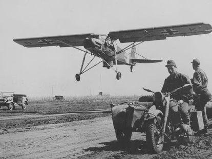 Una 'Cigüeña' durante la Segunda Guerra Mundial.