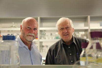 Craig Venter, a la izquierda, y Hamilton Smith.