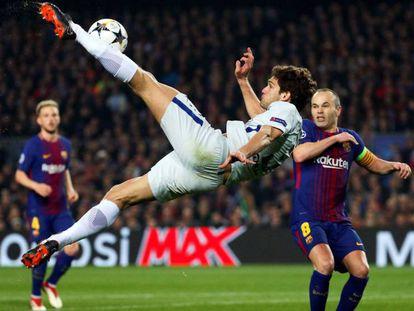 Marcos Alonso, en Champions ante el Barcelona. En vídeo, declaraciones de Lopetegui.