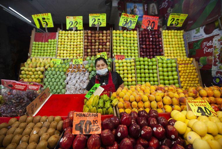 Comerciantes de la Central de Abastos de la Ciudad de México, el pasado 5 abril. FOTO: Mónica González