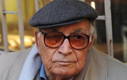 El escritor Yasar Kemal en febrero de 2011 en Turquía.