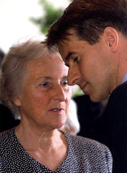 Johanna Quandt,  madre de la empresaria Susanne Klatten, y Stefan,  hermano de Susanne.