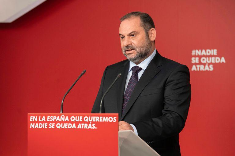 El secretario de Organización del PSOE y ministro de Fomento, José Luis Ábalos, tras una ejecutiva del PSOE.