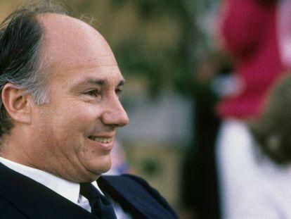 Karim Aga Khan IV, en Porto Cervo en 1986.