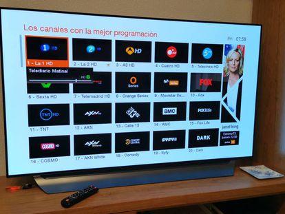 Pantalla de sintonización de canales de un televisor.