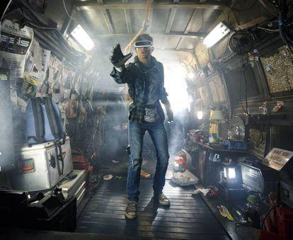 Escena de la película 'Ready Player One' (2018), dirigida por Steven Spielberg y basada en la novela de Ernest Cline de 2011.