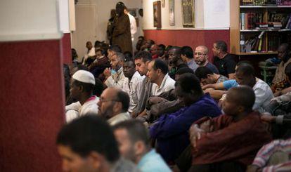 Los musulmanes de Mollet en su viejo oratorio.