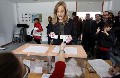 Tania Sánchez, votando hoy en Rivas.