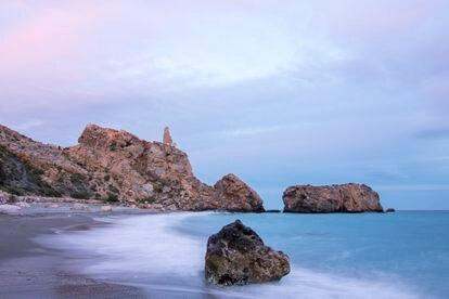 Atardecer en la playa de La Rijana (Granada).