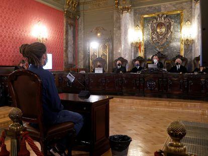 El ex secretario de Organización de Podemos y diputado Alberto Rodríguez durante su juicio en el Tribunal Supremo este martes.
