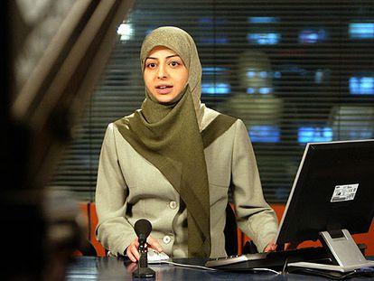 La presentadora Kawthar al Musawi, en el estudio del canal de televisión Al Manar en Beirut, el pasado día 3.