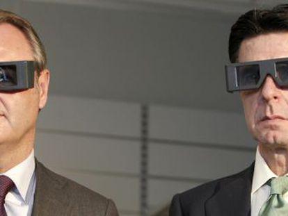 Alberto Fabra y el ministro José Manuel Soria, ayer, durante una visita al Instituto de Biomecánica de Valencia.
