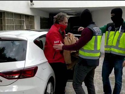 Fotograma del vídeo distribuido por la Policía de la detención este lunes de Sito Miñanco.