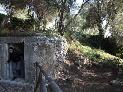 Entrada del búnker de la Guerra Civil en las ruinas de Carteia (San Roque, Cádiz).