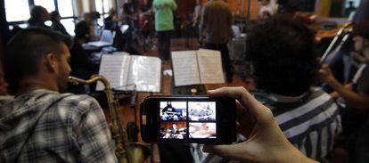 Los vídeos son los mayores glotones de datos móviles.