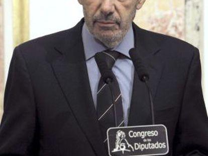 Rubalcaba muestra sus condolencias por la muerte de Carrillo.